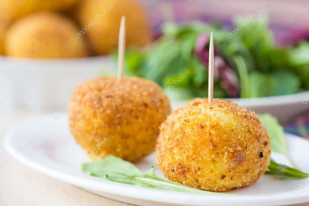https://cheflerfoods.com/wp-content/uploads/2020/07/depositphotos_48793115-stock-photo-italian-appetizer-arancini-rice-balls.jpg